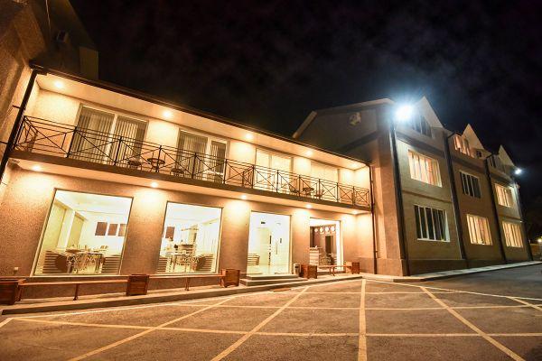 hotel-laguna-022B162F75C-B0FF-0DF8-5128-F47171B0F61B.jpg